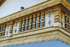 Balkon-hochstaufen-mit-zierbretter