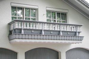 Holzbalkon-modell-alpenland