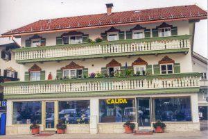 Wohn- und Geschaeftsbebäude in Miesbach